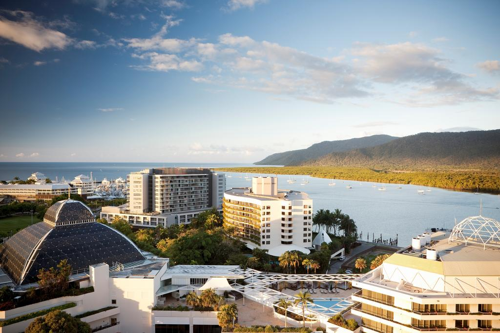 Luxury Cairns Holiday Packages