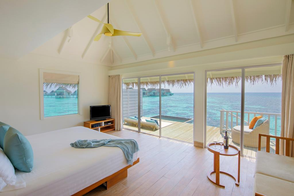 http://greatpacifictravels.com.au/hotel/images/hotel_img/11569778497Centara Grand Island Resort - Water Villa 1.jpg