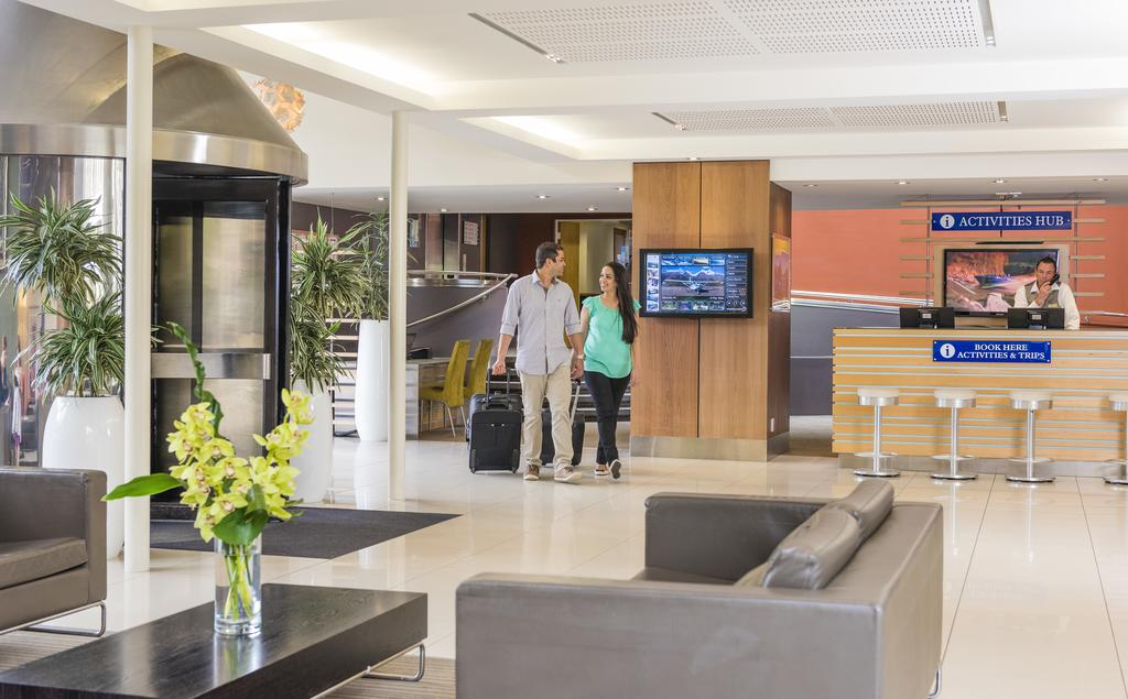 http://greatpacifictravels.com.au/hotel/images/hotel_img/11618460599Novotel Queenstown-lobby.jpg