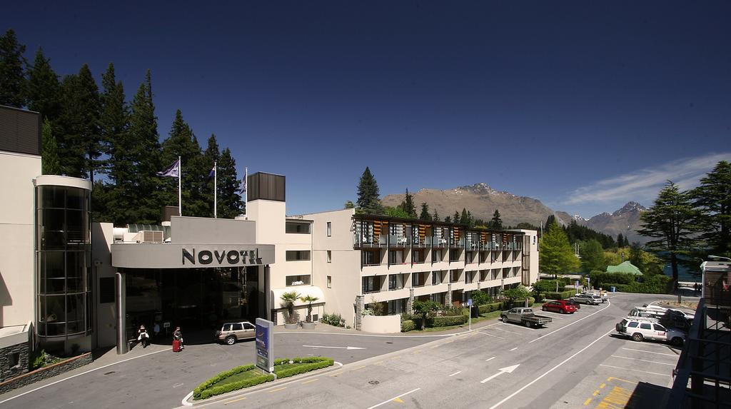 http://greatpacifictravels.com.au/hotel/images/hotel_img/11618460610Novotel Queenstown.jpg
