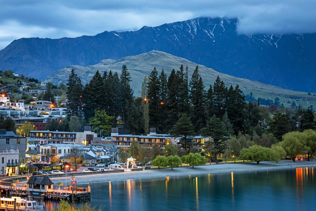 http://greatpacifictravels.com.au/hotel/images/hotel_img/11618460633Novotel Queenstown-Nigh View.jpg