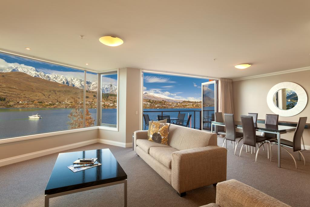 http://greatpacifictravels.com.au/hotel/images/hotel_img/11618460915Oaks Queenstown Shores-room1.jpg