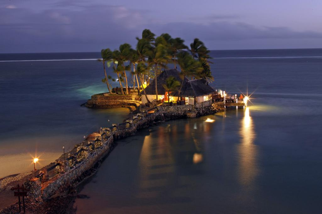images/hotel_img/Fiji: From $999 Per Person for a 5 Night Getaway at the 5* Warwick Fiji Coral Coast